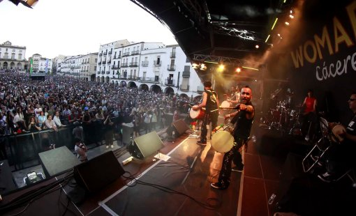 20130510 CACERES    WOMAD FRANCIS VILLLEGAS -