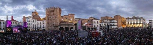 20140509 CACERES  FESTIVAL DE WOMAD    -  FRANCIS VILLEGAS -